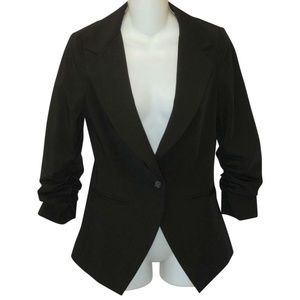 ELIZABETH & JAMES Fitted Blazer Ruched Sleeves
